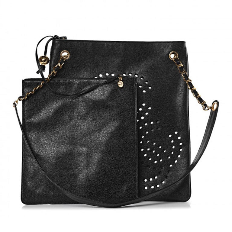 Chanel Vintage 90's Caviar Perforated CC Black Tote Bag In Good Condition For Sale In Miami, FL