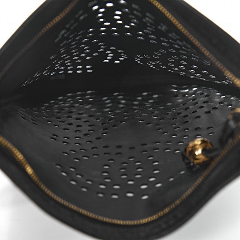 Chanel Vintage 90's Caviar Perforated CC Black Tote Bag For Sale 3