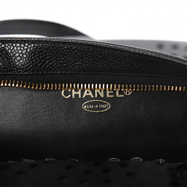 Chanel Vintage 90's Caviar Perforated CC Black Tote Bag For Sale 4