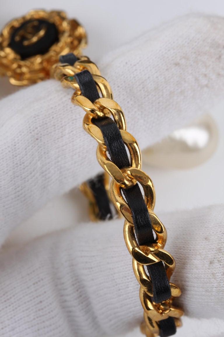 Women's   Chanel Vintage 90's Hoop Earrings with Pearl Drop - gold/black    For Sale