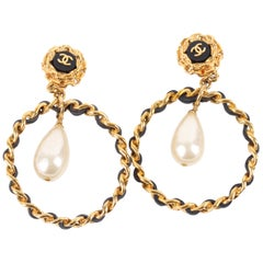 Chanel Vintage 90's Hoop Earrings with Pearl Drop - gold/black