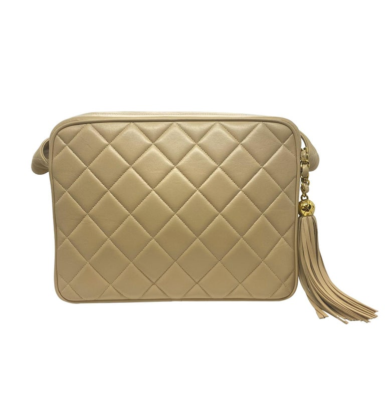 Chanel Vintage Beige Quilted Lambskin Leather Camera Bag with Gold Hardware For Sale 1