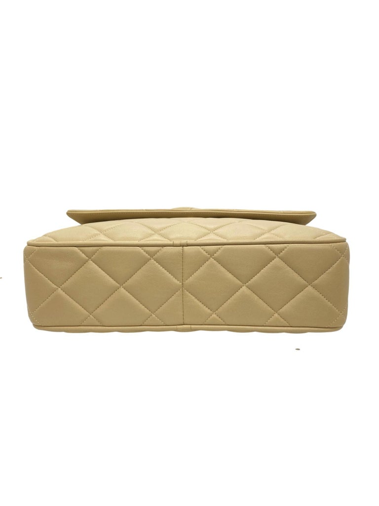 Chanel Vintage Beige Quilted Lambskin Leather Camera Bag with Gold Hardware For Sale 2
