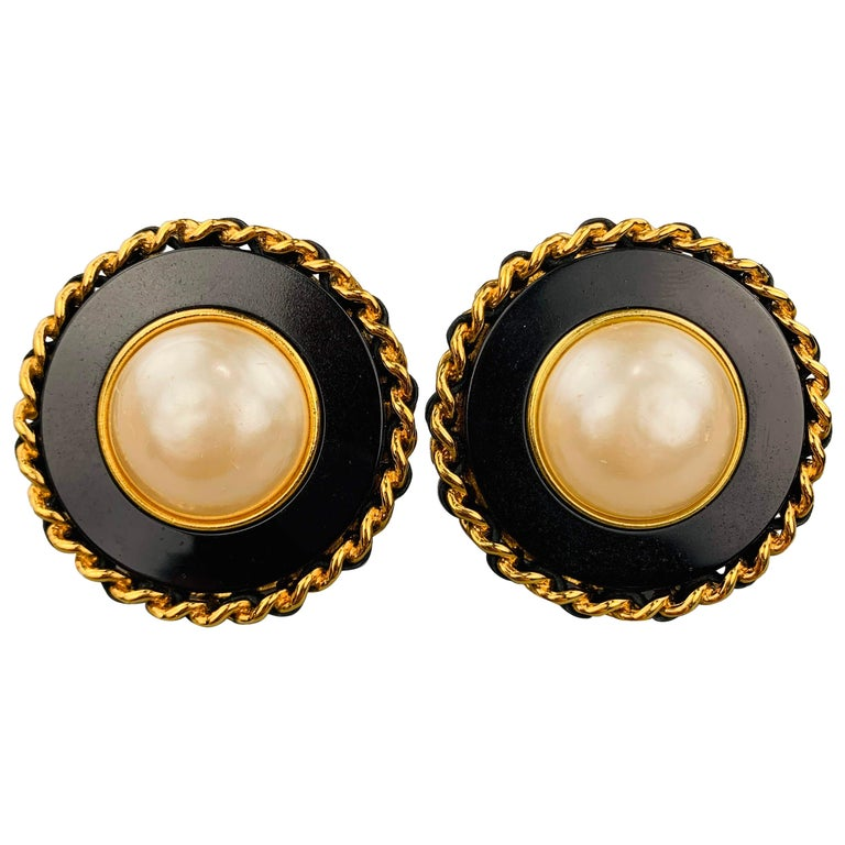 CHANEL Vintage Black & Gold Tone Leather Woven Chain Pearl Clip On Earrings For Sale