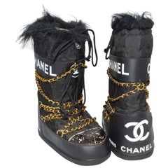 Chanel Vintage Black Quilted Apres Ski Moon Boots Size 38-40