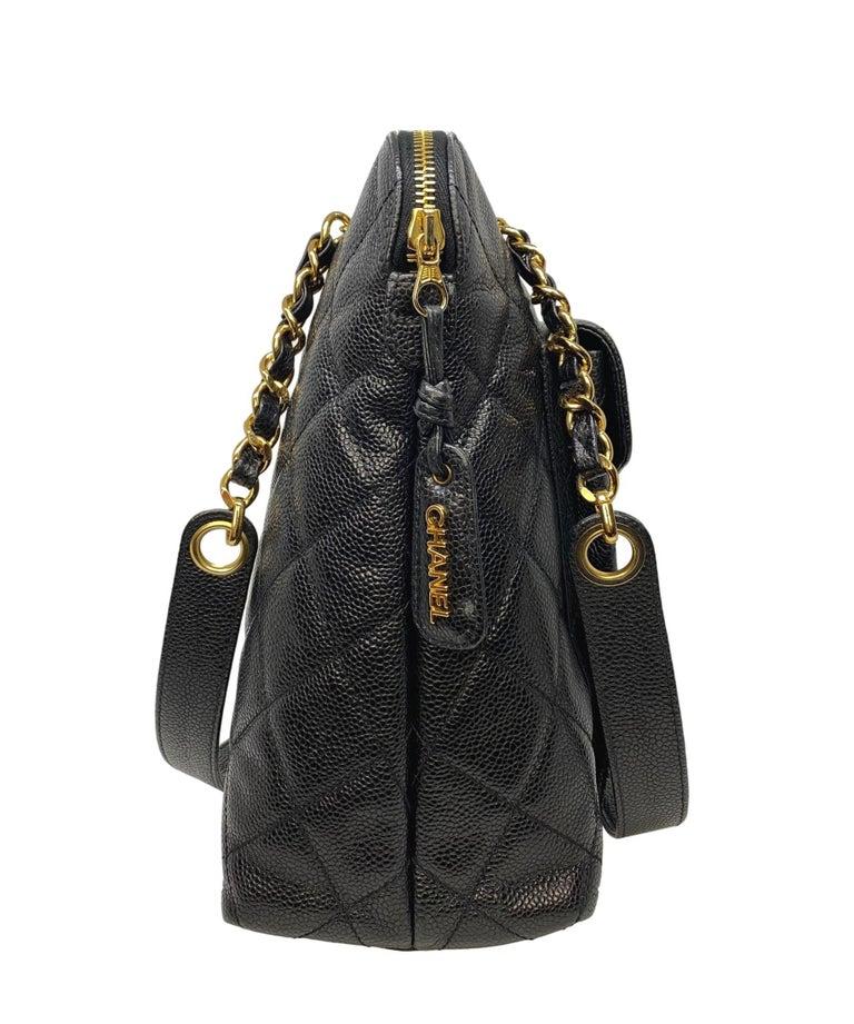 Women's or Men's Chanel Vintage Black Quilted Caviar Leather Shoulder Bag with Gold Hardware For Sale