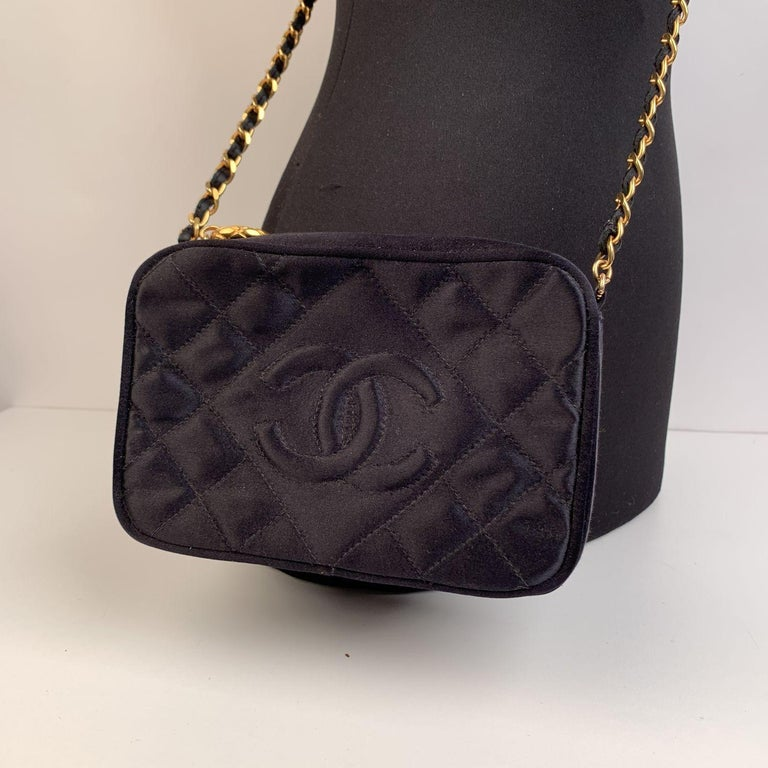 Chanel Vintage Black Quilted Satin Crossbody Camera Bag In Excellent Condition For Sale In Rome, Rome