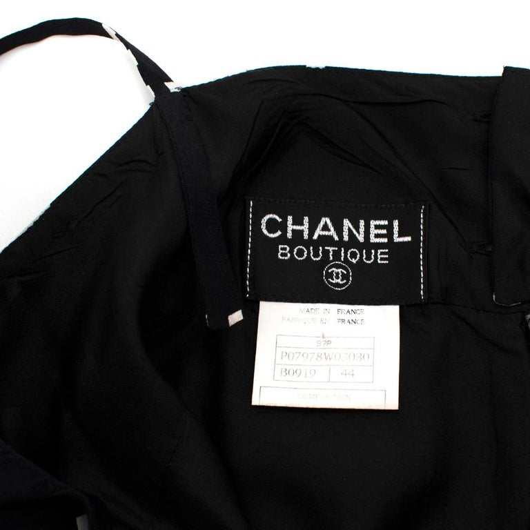 Chanel Vintage B&W Coco Logo Sleeveless Mini Dress - Size US 12 (Small Fitting) In Excellent Condition For Sale In London, GB