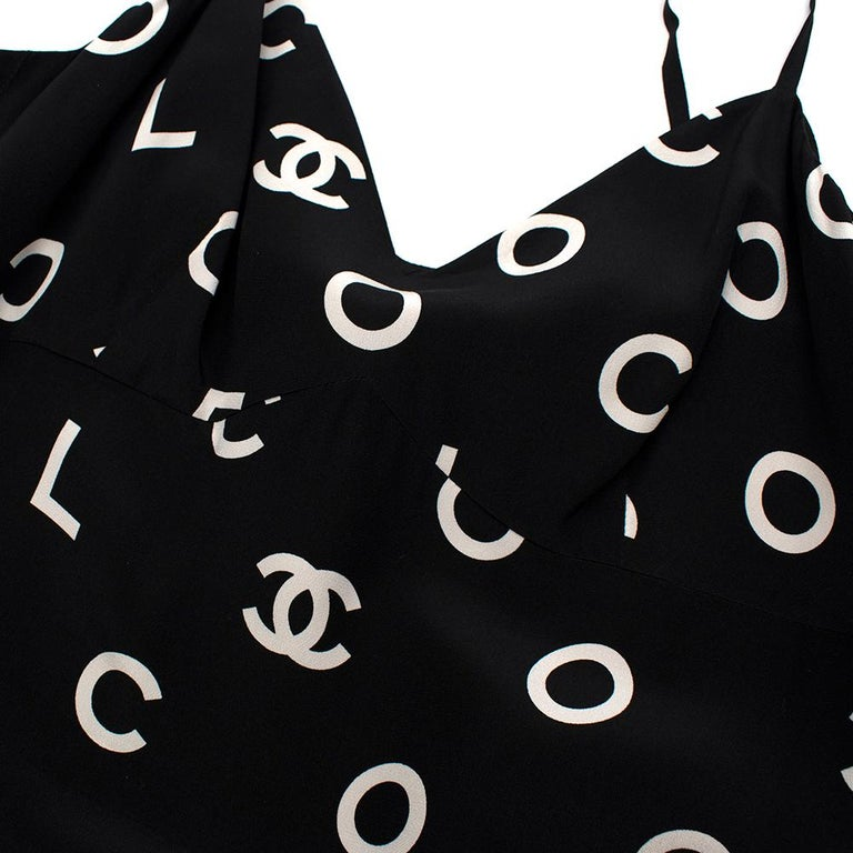 Women's or Men's Chanel Vintage B&W Coco Logo Sleeveless Mini Dress - Size US 12 (Small Fitting) For Sale