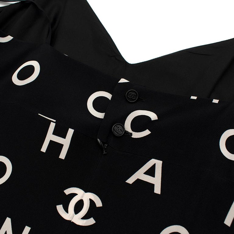 Chanel Vintage B&W Coco Logo Sleeveless Mini Dress - Size US 12 (Small Fitting) For Sale 1
