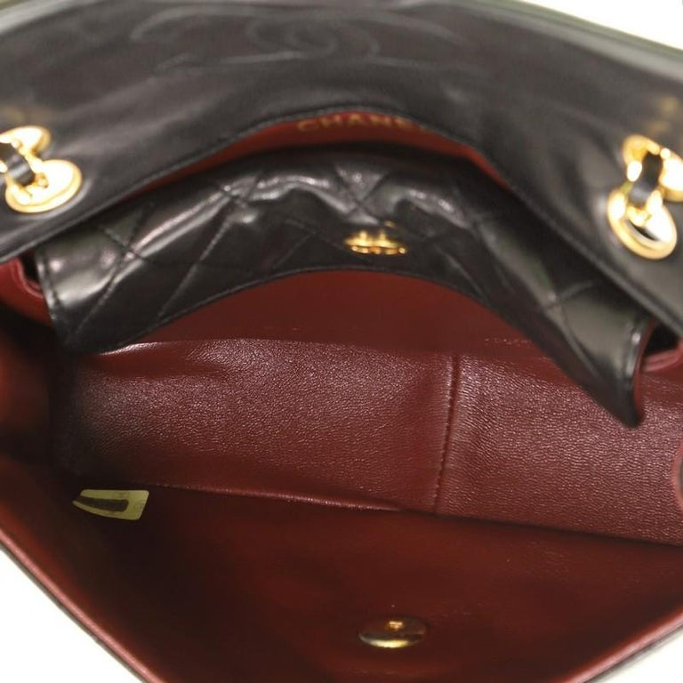 Chanel Vintage CC Chain Flap Bag Quilted Lambskin Small For Sale 1