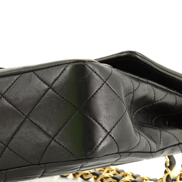 Chanel Vintage CC Chain Flap Bag Quilted Lambskin Small For Sale 2