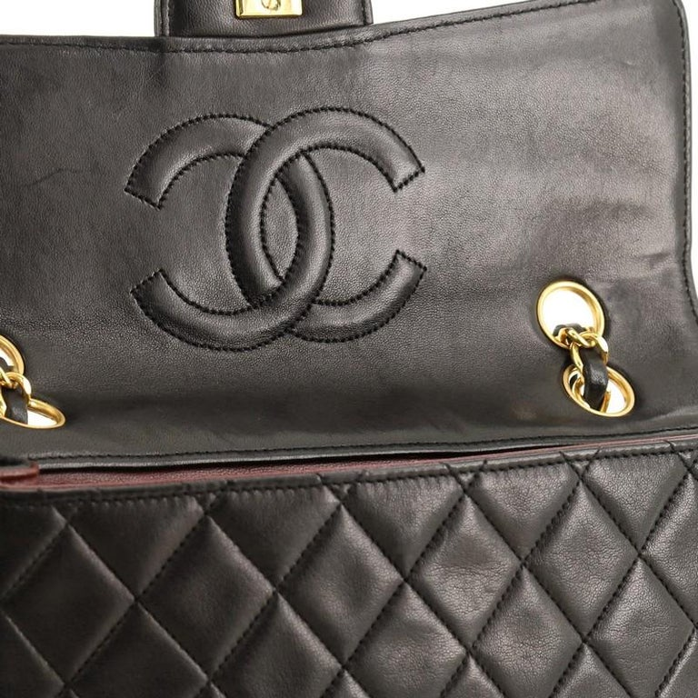 Chanel Vintage CC Chain Flap Bag Quilted Lambskin Small For Sale 4