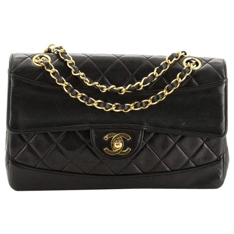Chanel Vintage CC Chain Flap Bag Quilted Lambskin Small For Sale