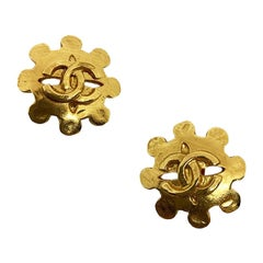 CHANEL Vintage CC Golden Clips-on Earrings