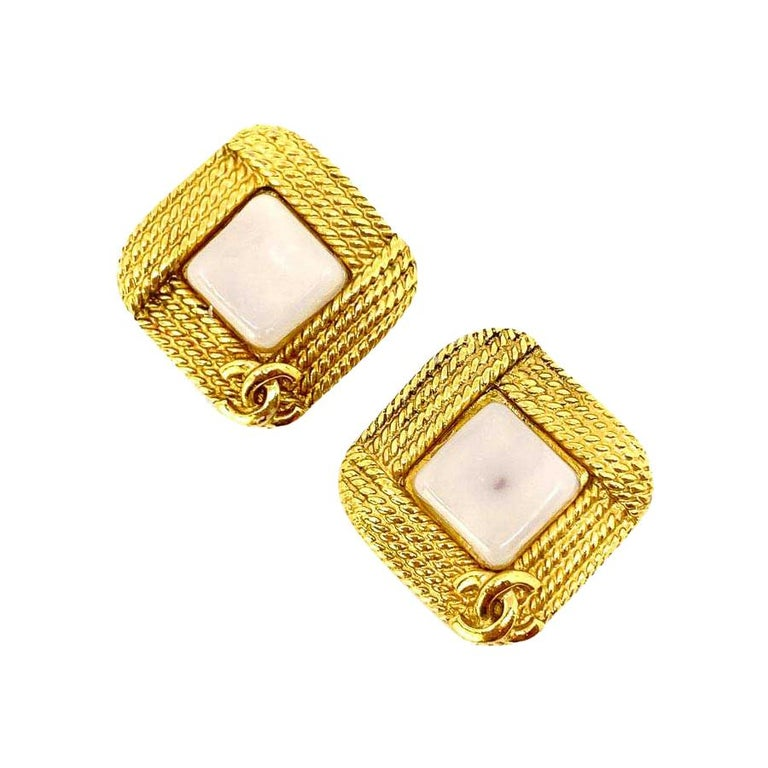 Chanel Vintage Clip-on Earrings For Sale