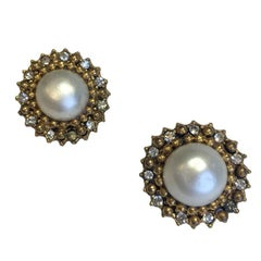 CHANEL Vintage Clip-on Earrings in Aged Gilt Metal, Molten Glass and Rhinestones