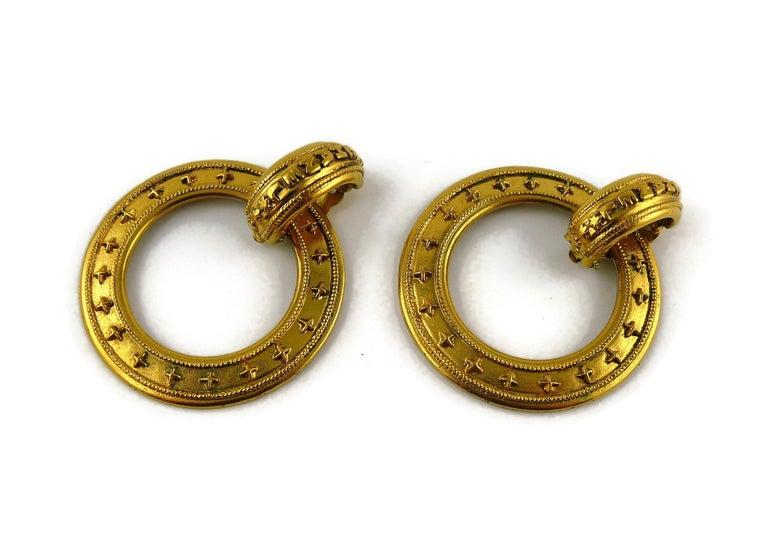 Women's Chanel Vintage Detachable Gold Toned Hoop Earrings For Sale