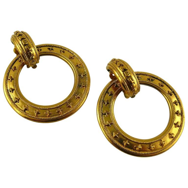 Chanel Vintage Detachable Gold Toned Hoop Earrings For Sale