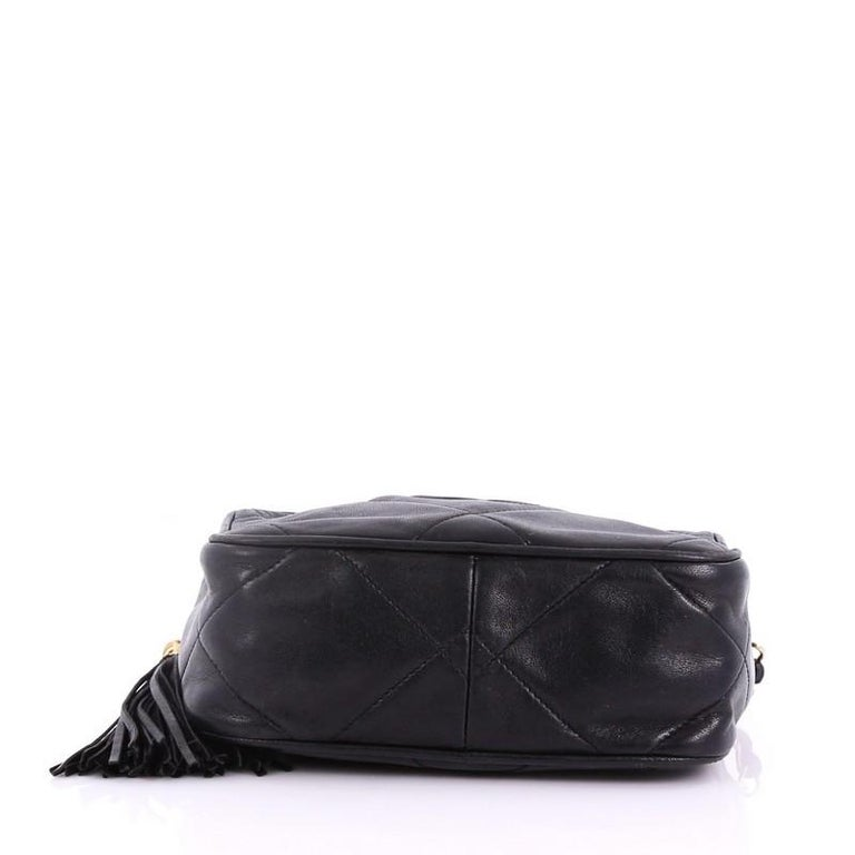 da670119ab275d Women's or Men's Chanel Vintage Diamond CC Camera Bag Quilted Leather Small  For Sale