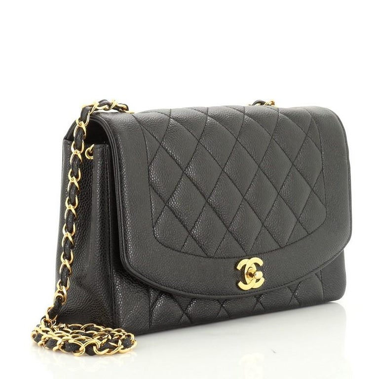 Chanel Vintage Diana Flap Bag Quilted Caviar Medium In Good Condition For Sale In New York, NY