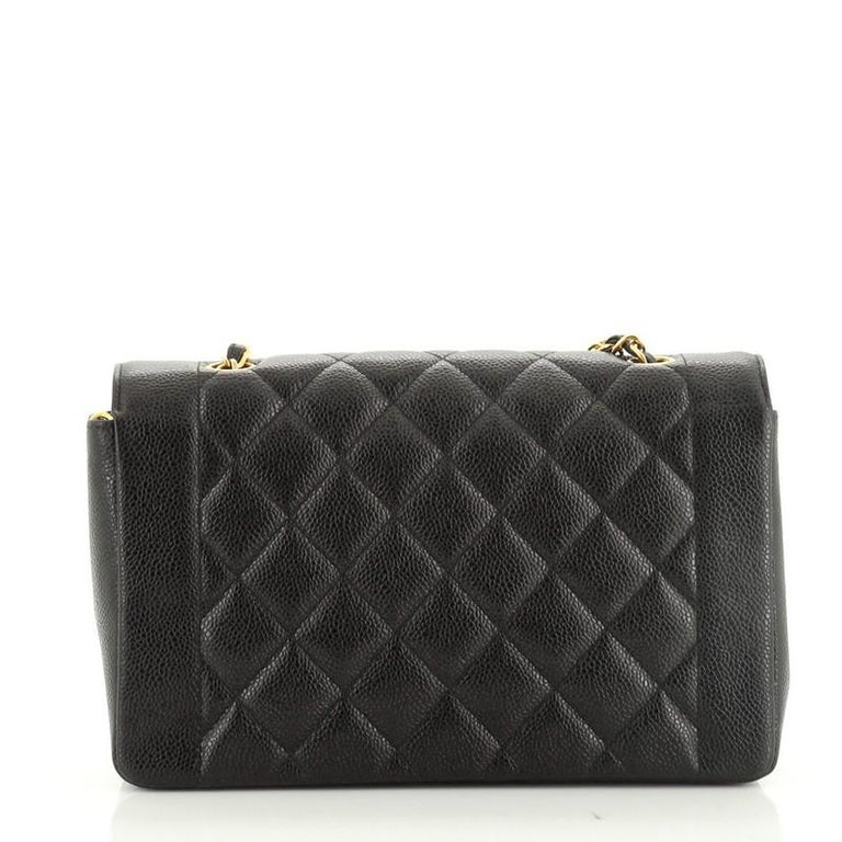 Women's or Men's Chanel Vintage Diana Flap Bag Quilted Caviar Medium For Sale