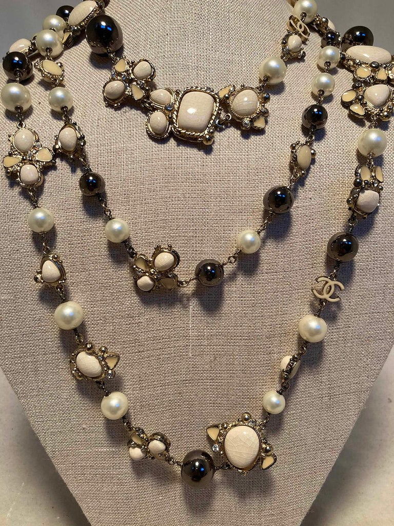 Women's Chanel Vintage Enamel and Pearl Necklace  For Sale