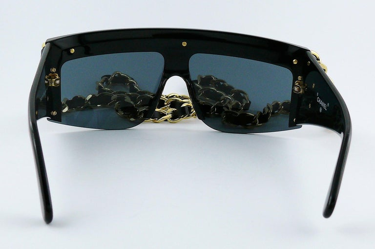 Chanel Vintage Fall Winter 1992 Iconic Runway Logo Leather Chain Drop Sunglasses For Sale 5