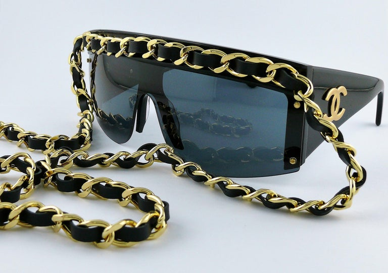 Women's Chanel Vintage Fall Winter 1992 Iconic Runway Logo Leather Chain Drop Sunglasses For Sale
