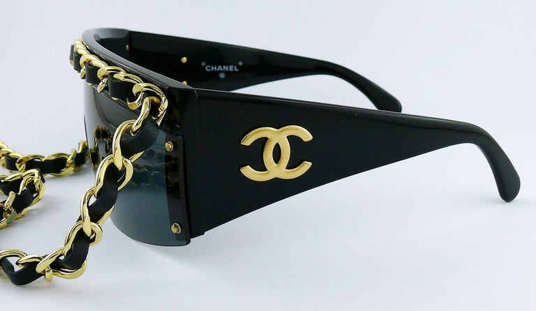 Chanel Vintage Fall Winter 1992 Iconic Runway Logo Leather Chain Drop Sunglasses For Sale 4
