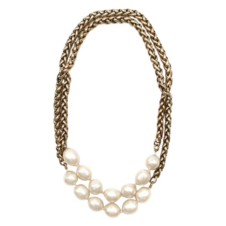 Chanel Vintage Faux Pearl Rope Chain Necklace For Sale