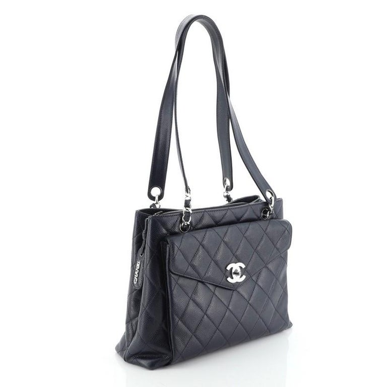 Chanel Vintage Front Pocket Shoulder Bag Quilted Caviar Medium In Good Condition For Sale In New York, NY
