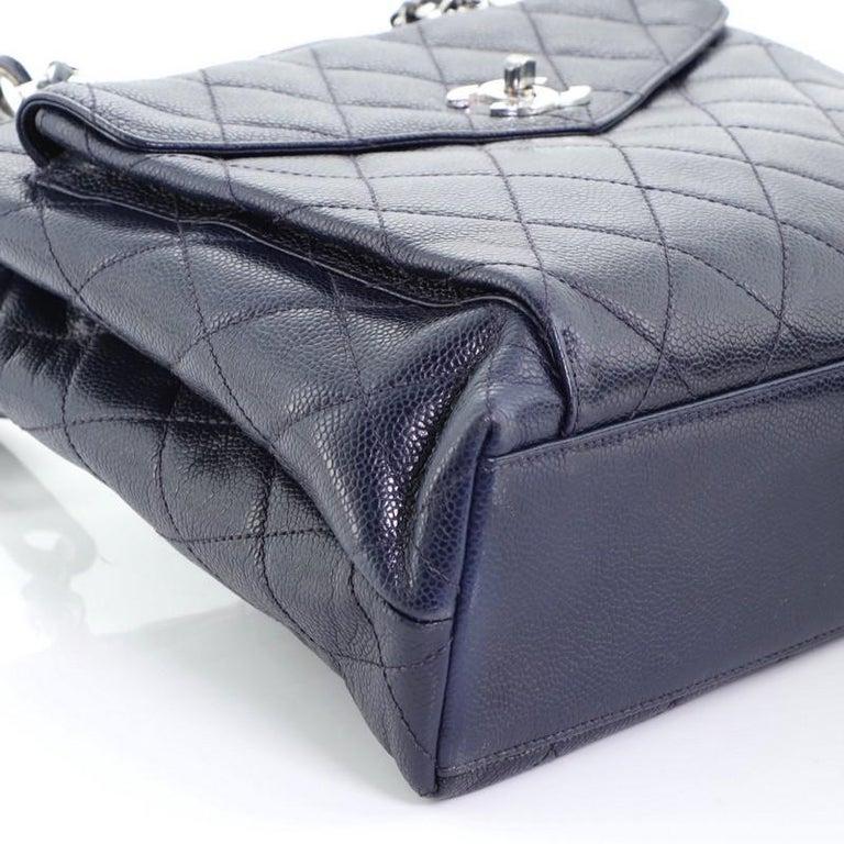 Chanel Vintage Front Pocket Shoulder Bag Quilted Caviar Medium For Sale 3
