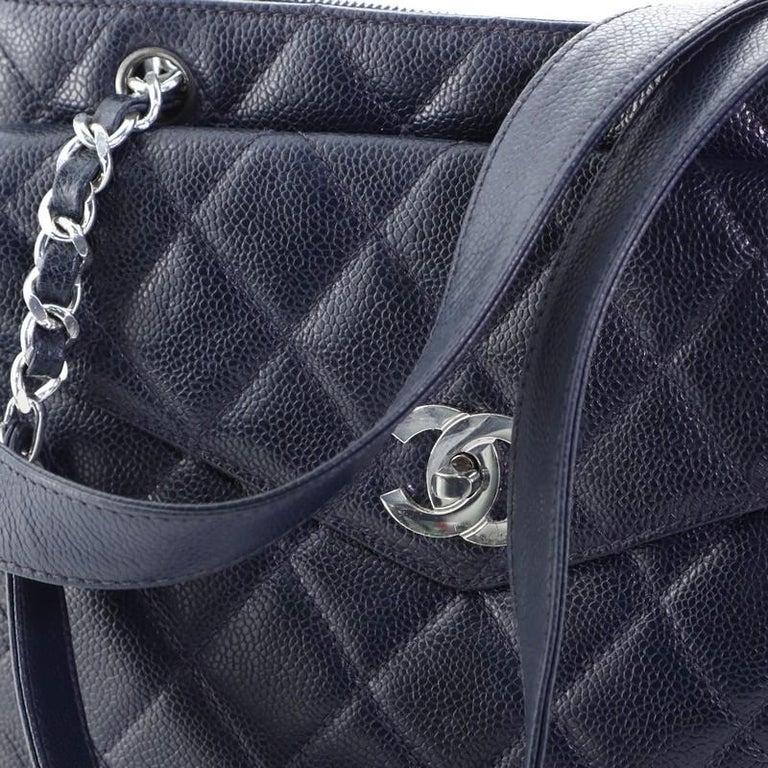Chanel Vintage Front Pocket Shoulder Bag Quilted Caviar Medium For Sale 4