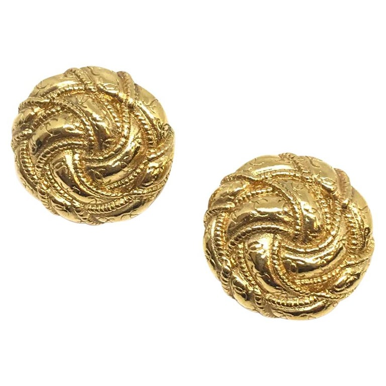 CHANEL Vintage Gold Clip Earrings For Sale