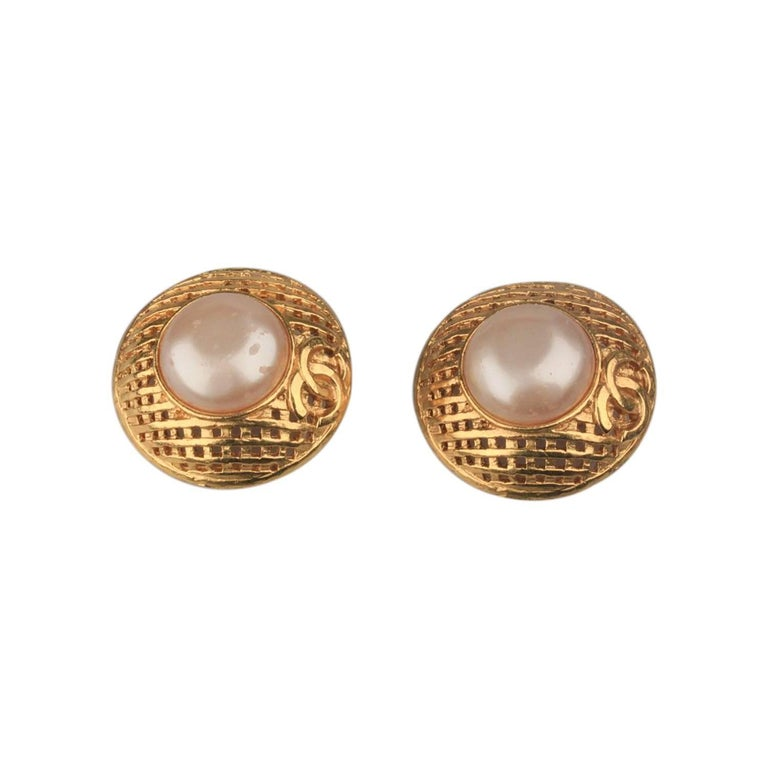 CHANEL Vintage Gold Metal and Faux Pearls GRID Clip On EARRINGS For Sale