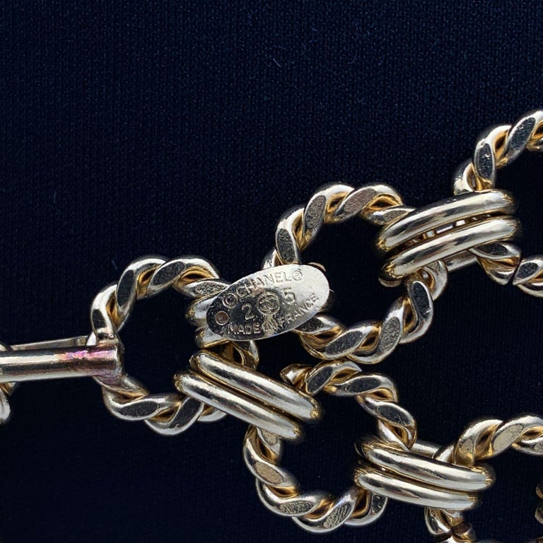 Chanel Vintage Gold Metal Ring Chain Belt with CC Pendant In Excellent Condition In Rome, Rome