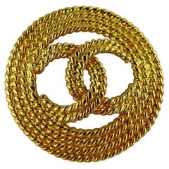 Chanel Vintage Gold Toned Braided Rope Design CC Logo Brooch