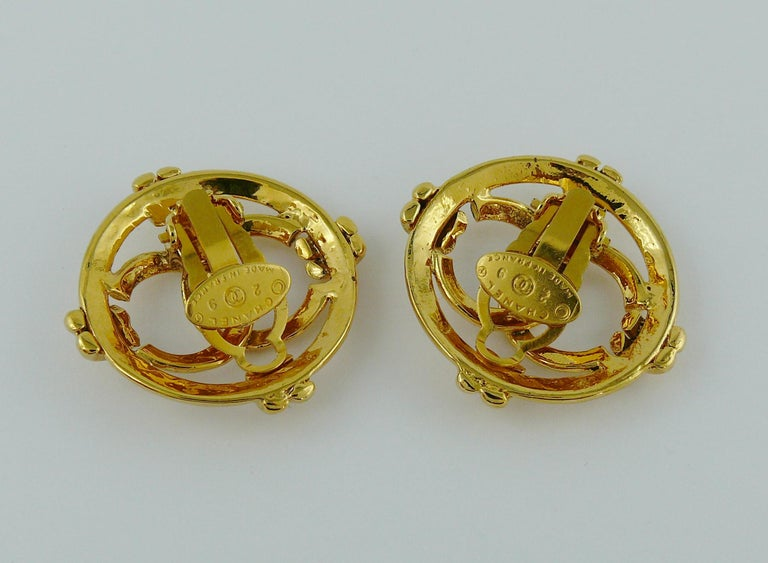Chanel Vintage Gold Toned Openwork CC Logo Disc Clip On Earrings For Sale 2