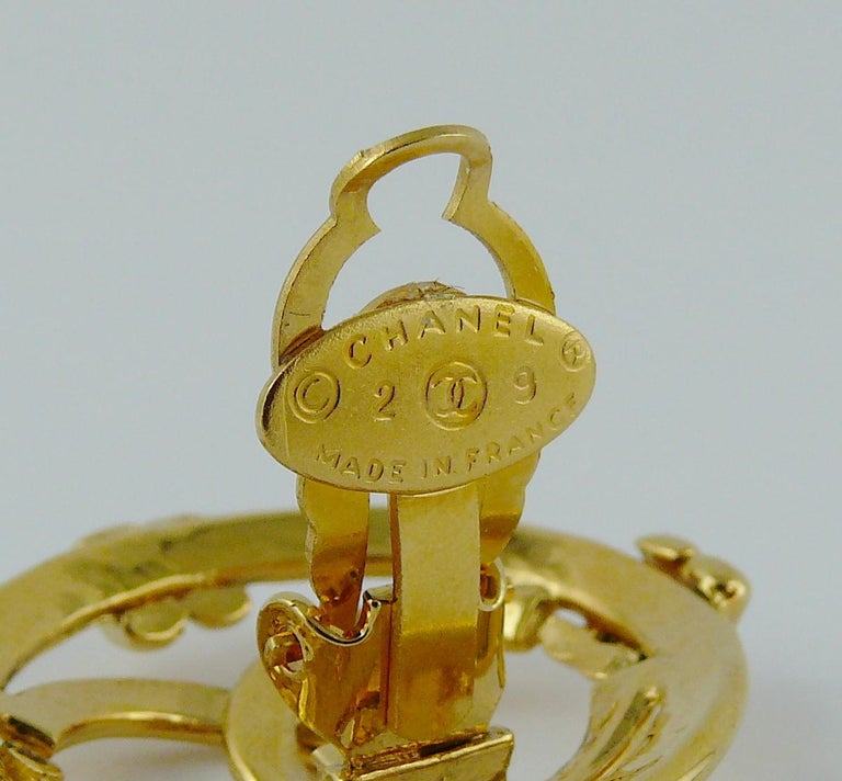Chanel Vintage Gold Toned Openwork CC Logo Disc Clip On Earrings For Sale 3