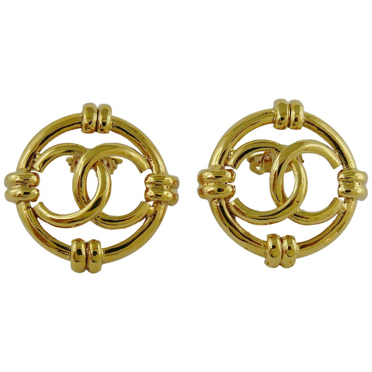 Chanel Vintage Gold Toned Openwork CC Logo Disc Clip On Earrings For Sale