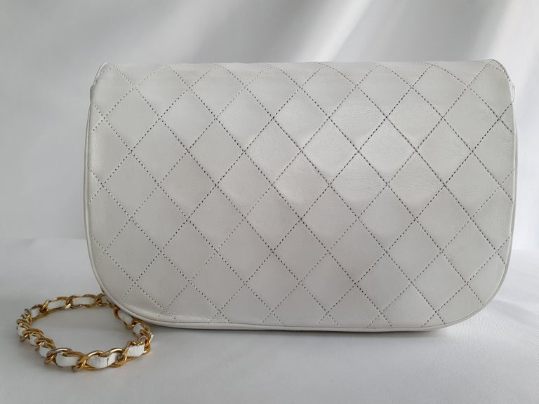 Gray Chanel Vintage in white leather For Sale