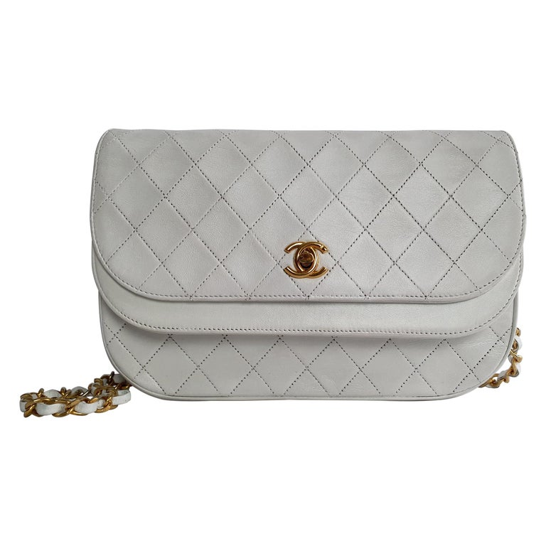 Chanel Vintage in white leather For Sale