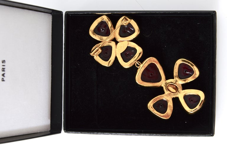Chanel vintage jewelry collection 26 Verdura Maltese Cross brooch by Griproix In Excellent Condition For Sale In Antwerp, BE