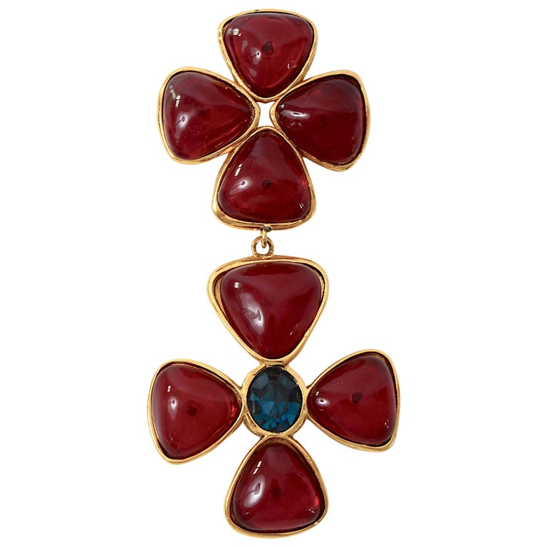Chanel vintage jewelry collection 26 Verdura Maltese Cross brooch by Griproix For Sale