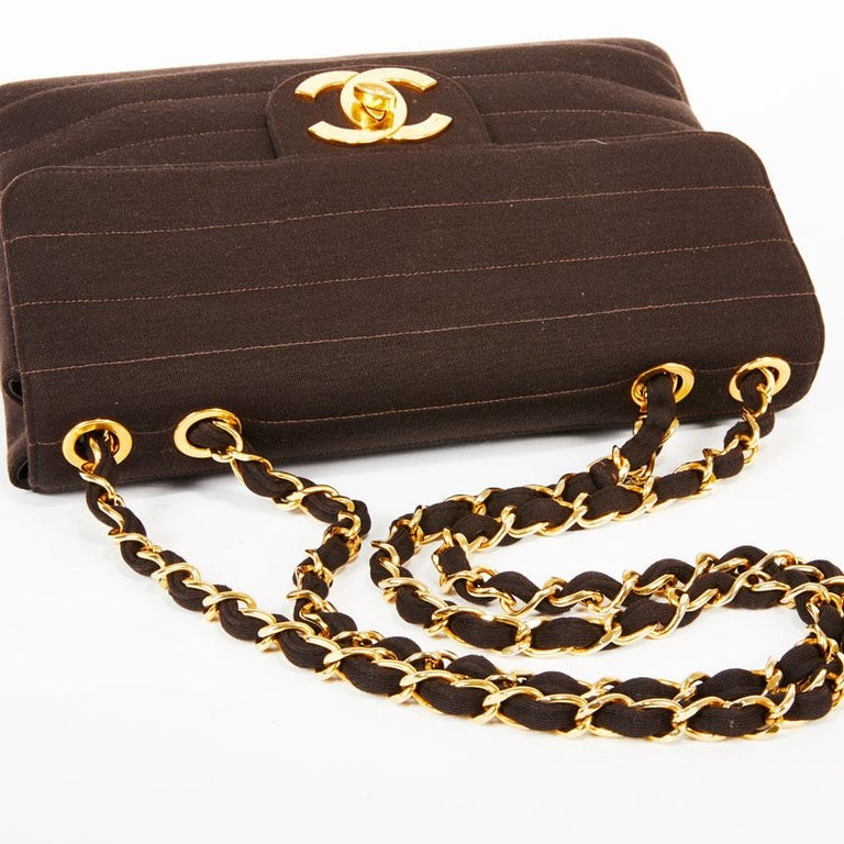 CHANEL Vintage Jumbo Bag in Brown Jersey For Sale 3