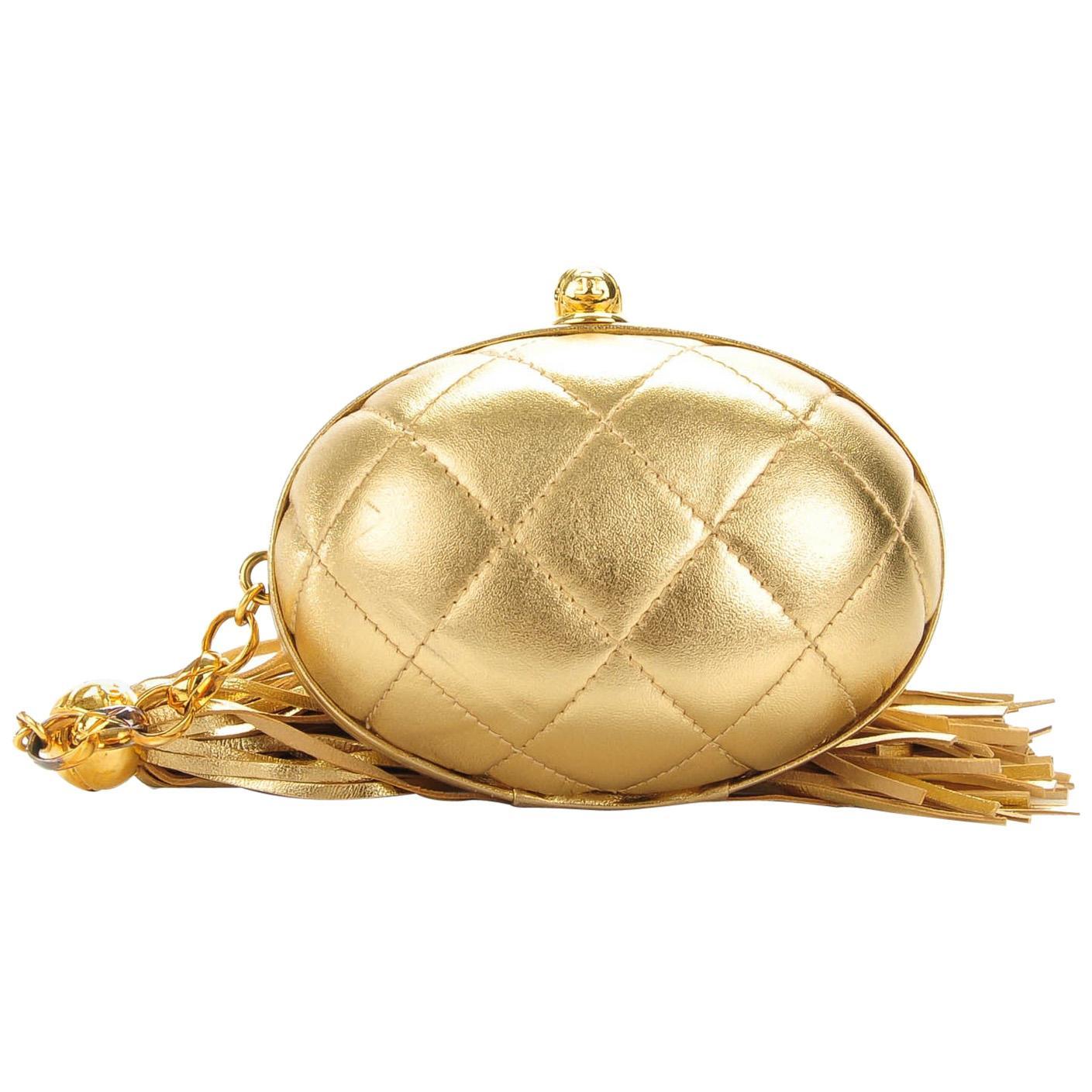 Chanel Vintage Metallic Gold Egg Minauderè Diamond Quilted Red Carpet Clutch