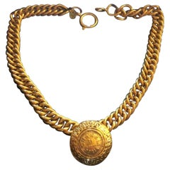 "Chanel Vintage Necklace gold chain Medaillon ""31 rue Cambon Paris"""