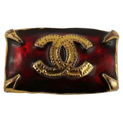 Chanel Vintage Rote Emaille CC Logo Brosche