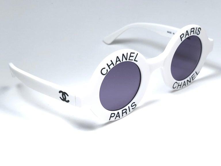 Gray Chanel Vintage Round